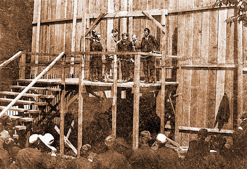 Oregon Historical Society image##Claude Branton on the gallows, about to be hanged for the murder of John Linn, on May 12, 1899.