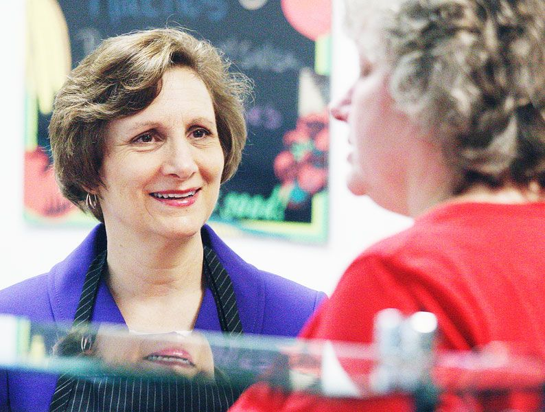 Rockne Roll/News-Register##U.S. Rep Suzanne Bonamici discusses the free summer lunch program with cook Marla Allen at the Newby School on Tuesday, July 19.