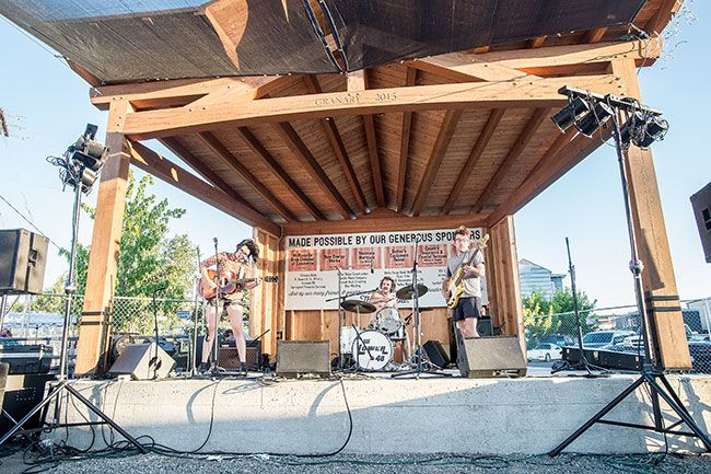 Marcus Larson/News-Register##The Lower 48 perform at the Walnut City Music Festival.