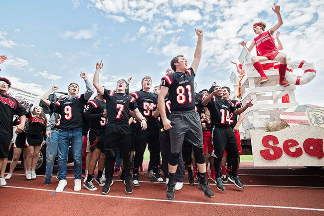 Marcus Larson/News-Register##Sam Swenson leads
