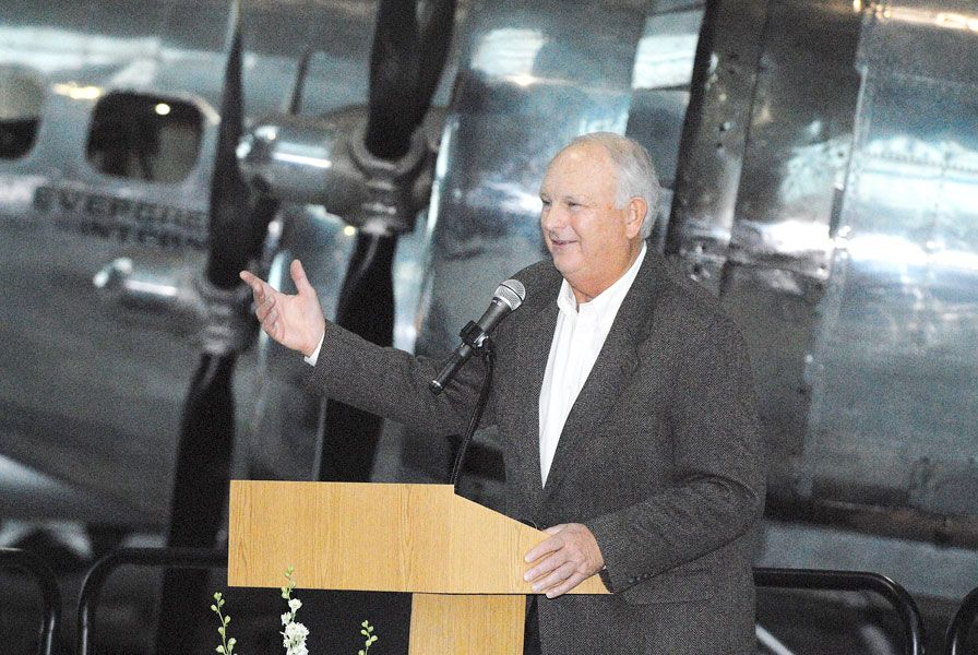 News-Register file photo##Perry Stubberfield, shown here at the Mac High Sports Hall of Fame ceremony in 2007, passed away Saturday at age 78.